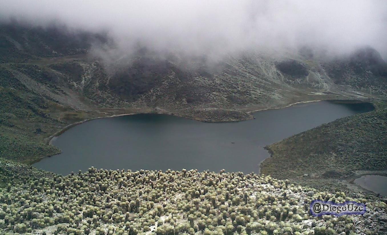 Laguna La Escopeta en la Sierra La Culata