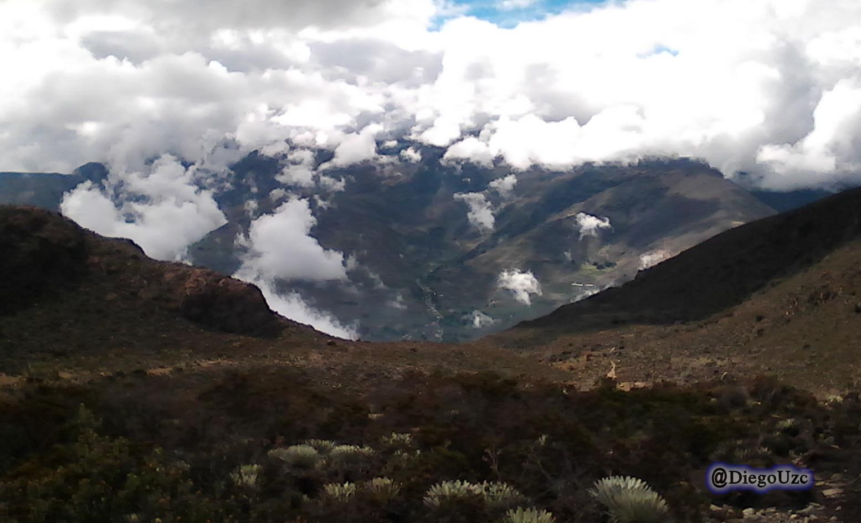 Una ventana arriba de los 3mil msnm desde el Páramo de Misteque