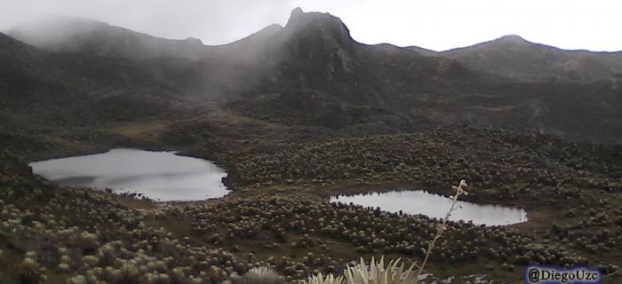 Laguna La Burra en Páramo de Misteque